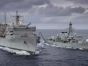 ABD ve İngiliz Donanması Barents Deniz'inde gövde gösterisi yaptı