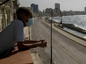İspanyol uzmanlar: Denizde koronavirüse yakalanma riski düşük