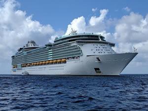 40 bin cruise gemisi mürettebatı gemilerinde mahsur kaldı