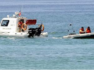 Hesap ödememek için denize atlayan kişiyi Sahil Güvenlik kurtardı