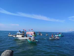 Ardeşen'de 'Deniz Kafesli Balık Çiftliği Projesi' protesto edildi
