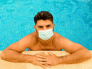 Havuzlardan bulaşabilecek göz enfeksiyonlarına dikkat!
