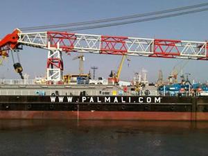 Palmali'ye ait YURY KUVYKIN isimli taşıma ve yükleme platform barcı, açık artırmayla satıldı