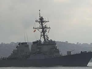"""ABD savaş gemisi """"USS Porter"""" İstanbul Boğazı'ndan geçti"""