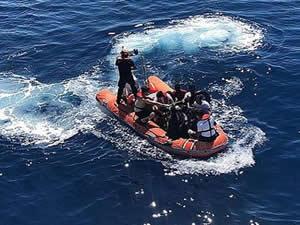 Ege Denizi'nde göçmen botu alev aldı
