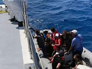 Marmaris'te 60 sığınmacı Sahil Güvenlik tarafından kurtarıldı