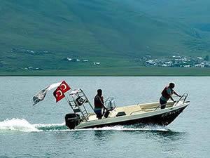 Çıldır Gölü'nde tekne turları başladı