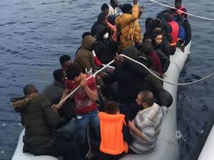 Türk karasularına geri itilen 40 sığınmacı kurtarıldı
