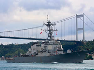 ABD savaş gemisi USS PORTER, İstanbul Boğazı'ndan geçerek Karadeniz'e açıldı