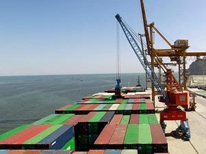 Pakistan'ın Gwadar Limanı'ndan Afganistan'a transit ticaret başladı