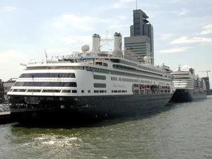 M/S ROTTERDAM ve M/S AMSTERDAM, 37 milyon dolara İngiliz şirkete satıldı