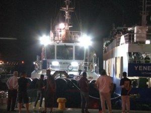 Avşa-İstanbul seferini yapan Yener C. isimli arabalı yolcu feribotu arızalandı