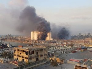 Beyrut Limanı yakınında şiddetli patlama!