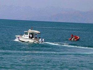 Van Gölü'nde batan teknede yeni görüntüler ortaya çıktı