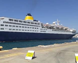 Lüks yolcu gemisi Marmaris'e bu kez yolcusuz geldi