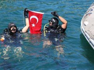 Karadeniz'de 'kurbağa adamlar' her an göreve hazır bekliyor