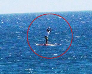 Bodrum'da zor anlar yaşayan sörfçü, dakikalarca yardım bekledi