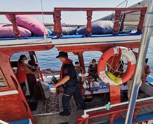 Sahil Güvenlik ekipleri, Kuşadası Körfezi'nde yat ve teknelerde denetim yaptı