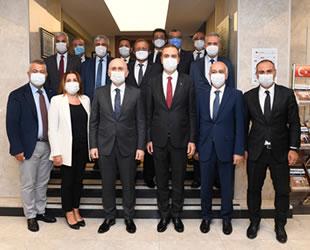 Ulaştırma ve Altyapı Bakanı Adil Karaismailoğlu, İMEAK Deniz Ticaret Odası'nı ziyaret etti