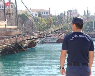 Sahil Güvenlik ekiplerinin tekne ve plaj denetimleri turistlere güven verdi