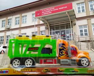 İDO, depremzede çocuklara bir gemi dolusu oyuncak dağıttı