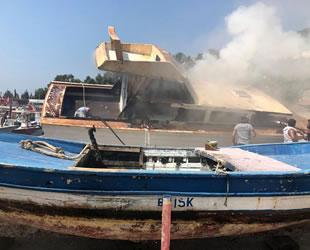 Çevlik Limanı'ndaki teknede yangın çıktı