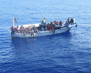 TCG Bozcaada korveti, Lübnan açıklarında 37 göçmeni kurtardı
