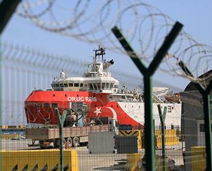 'Oruç Reis' sismik araştırma gemisi, Antalya Limanı'nda bakıma alındı
