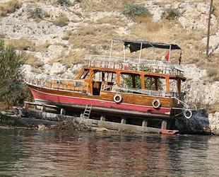 Birecik Baraj Gölü'ndeki tur teknesinin neden battığı ortaya çıktı