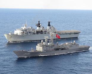 Türk ve İngiliz savaş gemileri, Akdeniz'de geçiş eğitimi gerçekleştirdi
