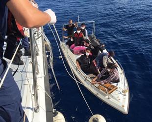 Mersin'de teknede 13 kaçak göçmen yakalandı