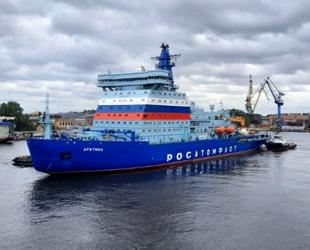 Rus nükleer buzkıranı Arktika, ilk çalışma seferine çıktı
