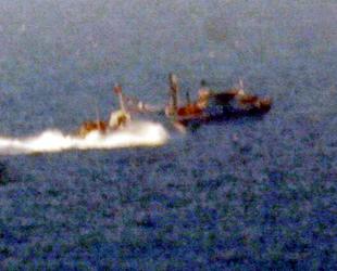 Türk sularına girmeye çalışan Yunan balıkçılara Sahil Güvenlik engel oldu