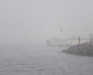 Çanakkale Boğazı yoğun sis nedeniyle gemi geçişlerine kapatıldı