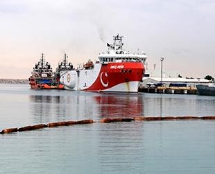 'Oruç Reis' sismik araştırma gemisi, Antalya Limanı'na demir attı