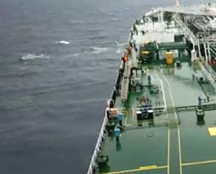 Tekneleri batan balıkçıları petrol tankeri kurtardı