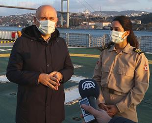 Adil Karaismailoğlu, ilk kadın römorkör kaptanı Gizem Turan'ı ziyaret etti