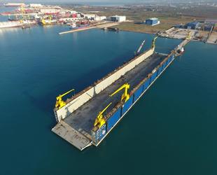 Seltaş Tersanesi'nin yeni yüzer havuzunun inşası tamamlandı