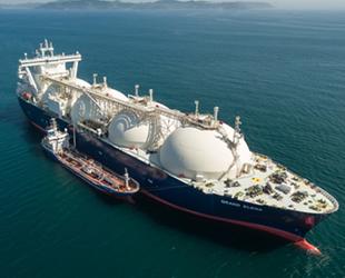 Küresel LNG ikmal gemi filosu genişliyor
