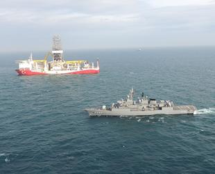 Fatih sondaj gemisine TCG Fatih fırkateyni refakat ediyor