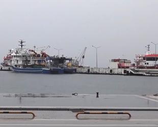 Gemiler rota değiştirdi, balıkçılar denize açılamadı