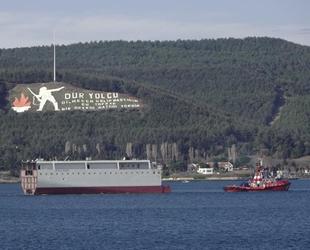 Dev geminin yarısı, Çanakkale Boğazı'ndan geçti