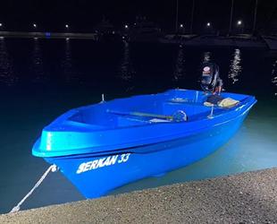 Teknesiyle denizin ortasında mahsur kalan bir kişi kurtarıldı