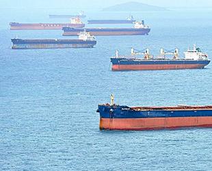 71 adet gemi, Çin kıyılarında beklemeye devam ediyor
