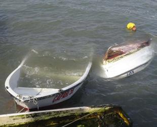 Silivri sahilinde rüzgar nedeniyle kayıklar battı