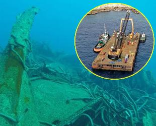 Batan Zorbey gemisi, parçalanarak denizden çıkarılıyor