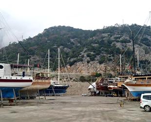 Antalya'da tur tekneleri yeni sezona hazırlanıyor