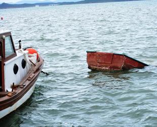 Tekneleri parçalanan balıkçılar barınak istiyor