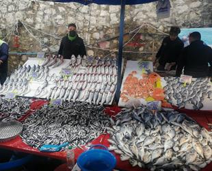 Balık fiyatlarını soğuk vurdu