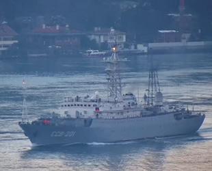 Rus istihbarat gemisi, İstanbul Boğazı'ndan geçti